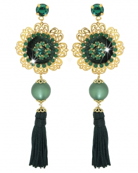 Orecchini con bottoni di velluto con perle, nappe, strass verdi