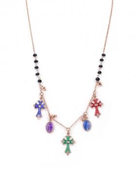 Collana in argento rosa con pietra onice nera e pendenti a forma di croce smaltati