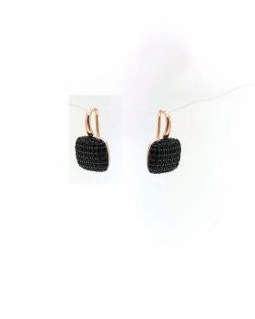 orecchino monachella con pendente a forma quadrata con pavè di zirconi neri tutto in argento 925 bagnato in oro rosa